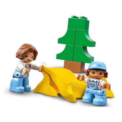 Конструктор LEGO DUPLO Семейное приключение на микроавтобусе 10946 Превью 3